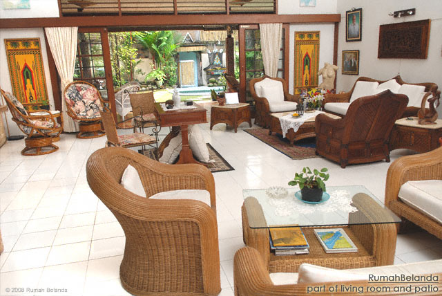 Guesthouse Medan Rumah Belanda living room, patia and pool towards the rear